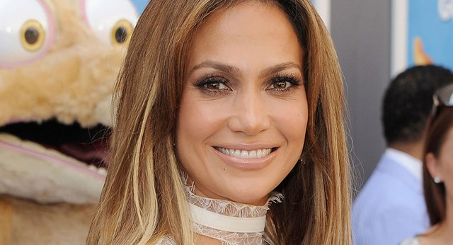 Jennifer Lopez Shares Photo Of Lookalike Daughter Emme