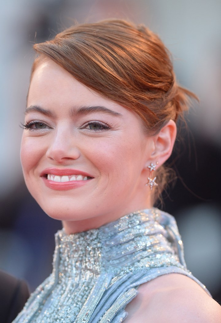 Emma Stone Make Up How To Get Her Best Looks Marie Claire Australia