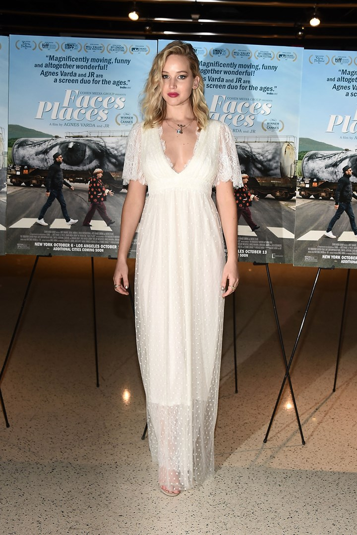 Jennifer Lawrence Just Wore A Wedding Dress On The Red Carpet Marie Claire Australia
