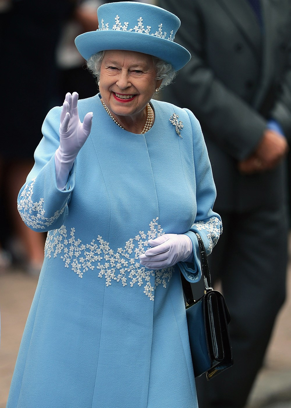Queen Elizabeth II will supposedly only wear one nail