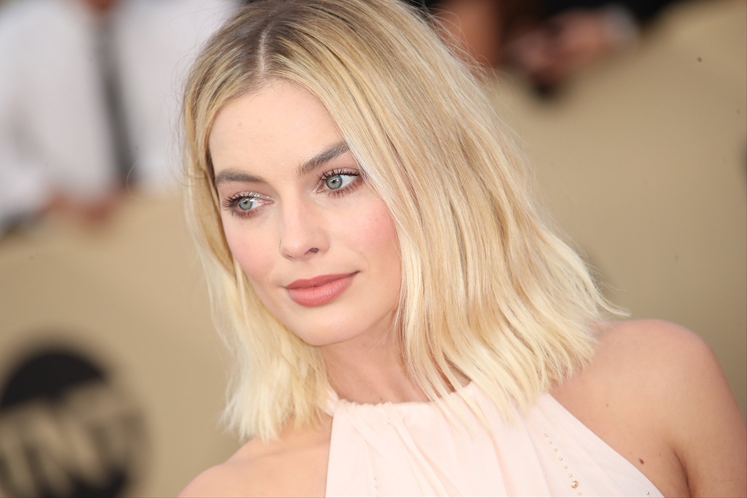 Margot Robbie Has Found The Perfect Shade Of Nude Lipstick -6242