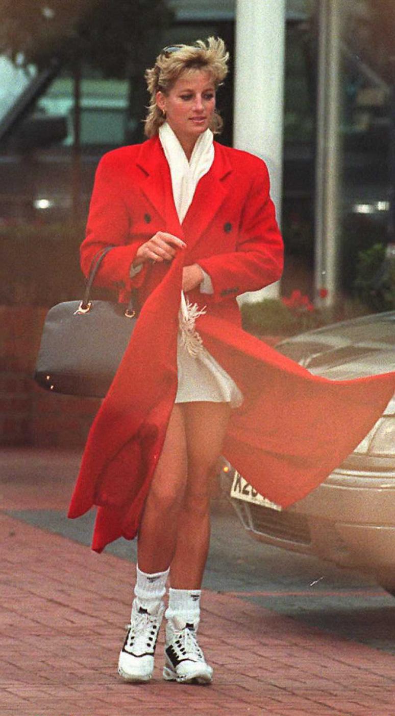 Princess Diana S Best Fashion Moments Marie Claire Australia