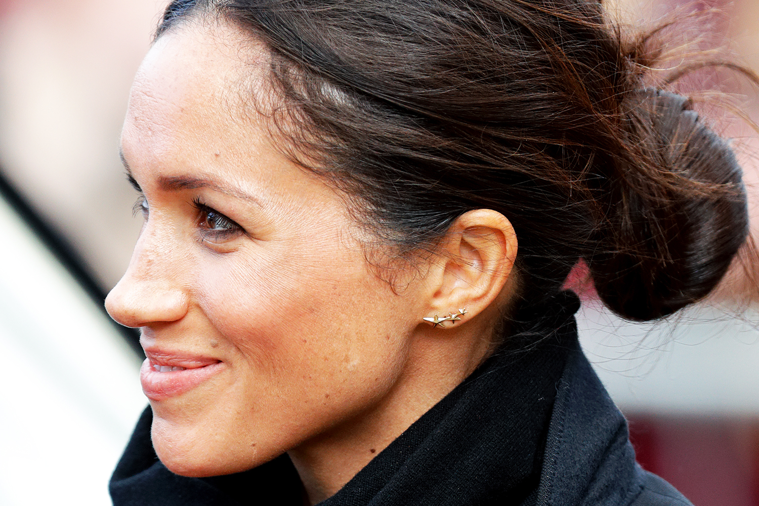 Image result for meghan markle in messy hair,nari