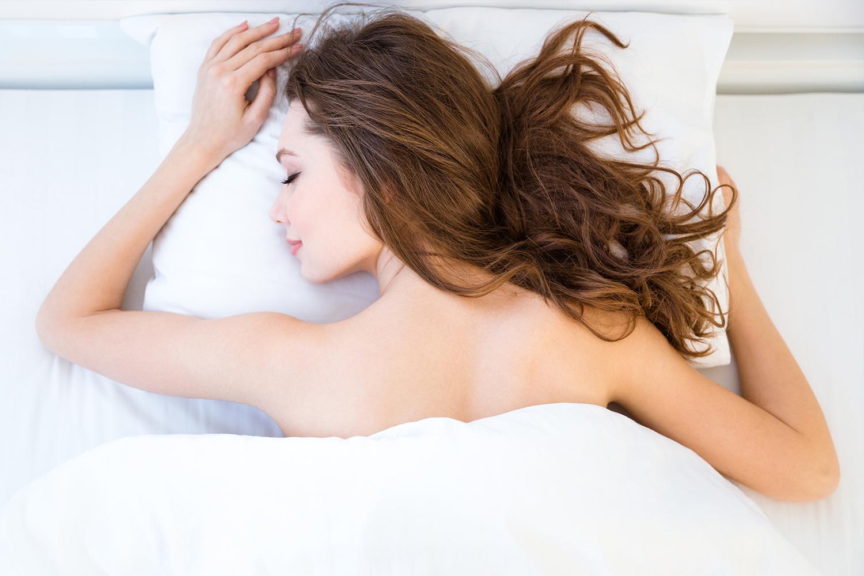 7 health benefits for naked sleep