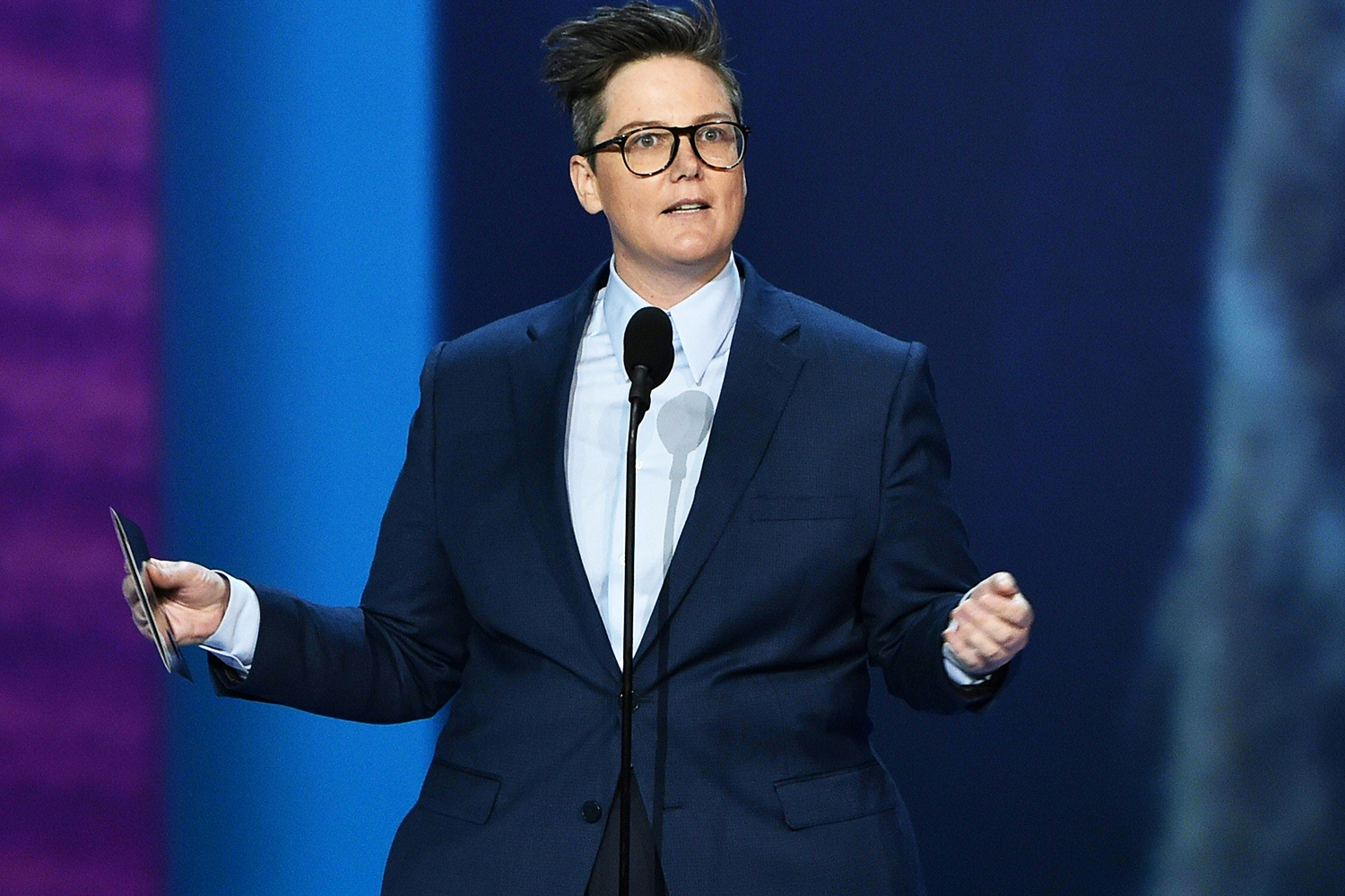 Hannah Gadsby Just Won The Emmys With This Hilarious Skit