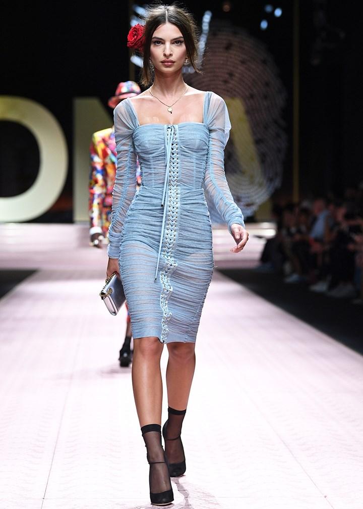 Emily Ratajkowski Just Walked The Runway At Milan Fashion Week Marie Claire Australia