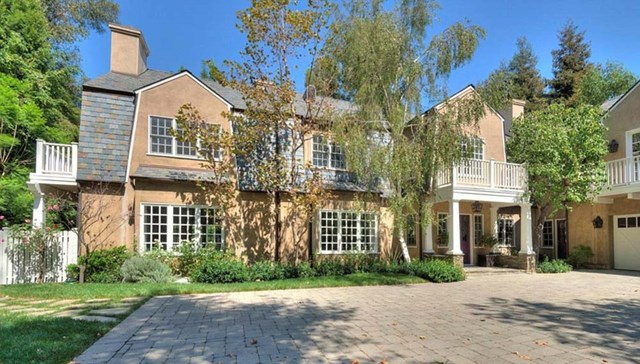 Adele Snaps Up Cosy $13 Million Los Angeles Home