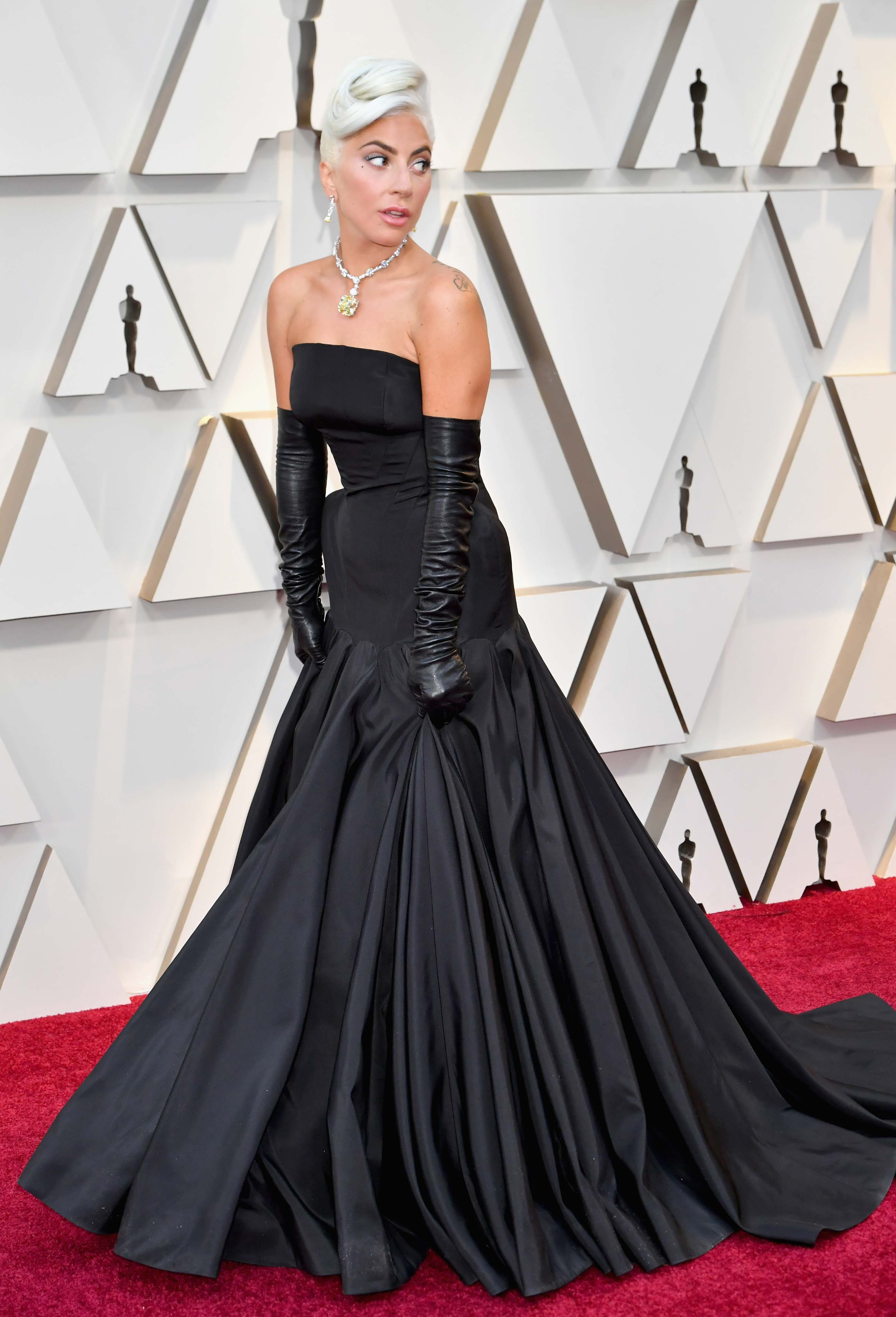 The Oscars 2019: Lady Gaga Arrives At The Red Carpet | Marie