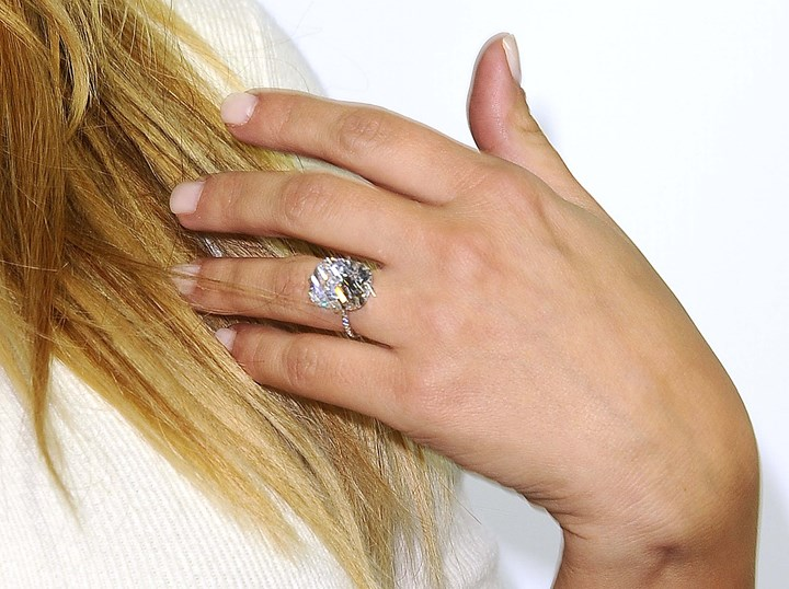 Kim Kardashian Engagement Ring The Truth About The Robbery