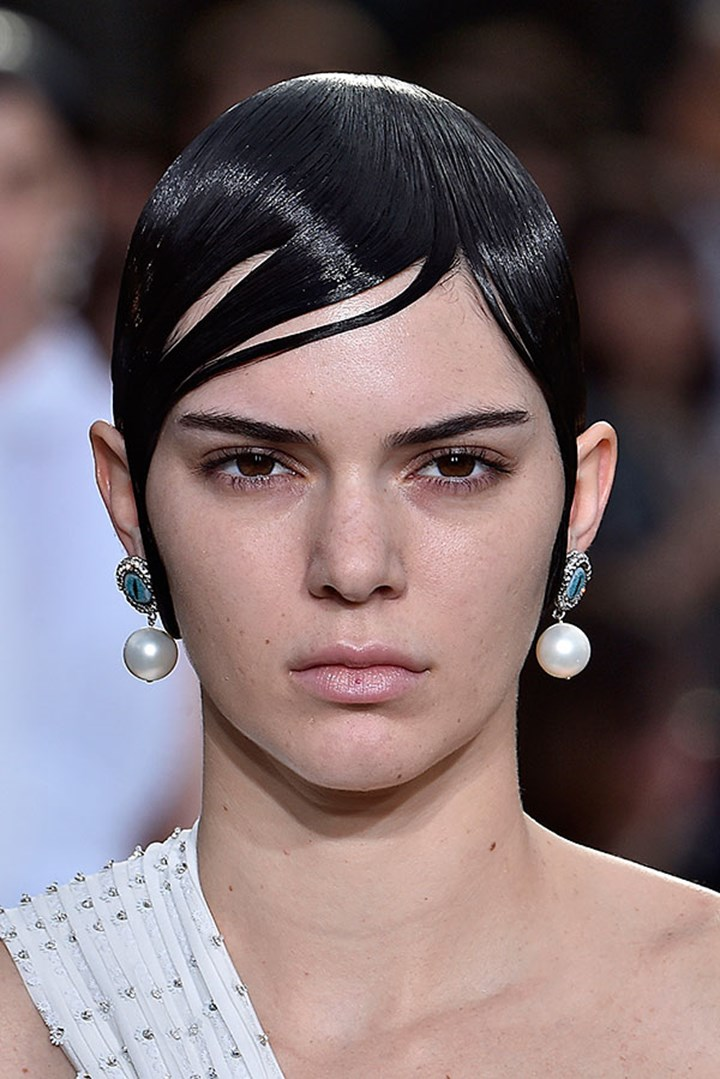 Kendall Jenner And Bella Hadid Debut Short Hairstyles Marie Claire Australia