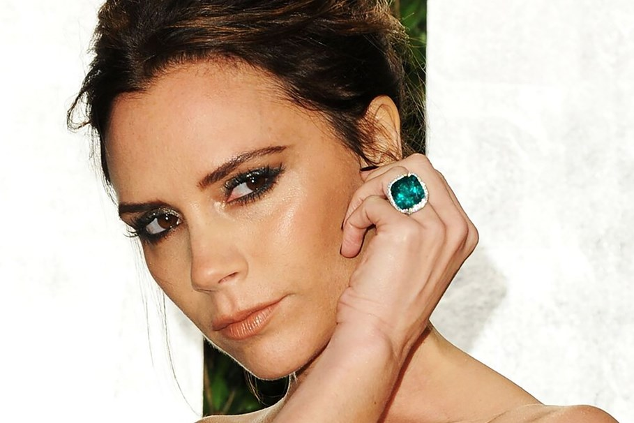 20 Emerald Engagement Rings That Will Make You Green With Envy