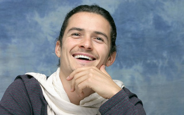 The Best Celebrity Reactions To Orlando Bloom Paddleboarding Naked