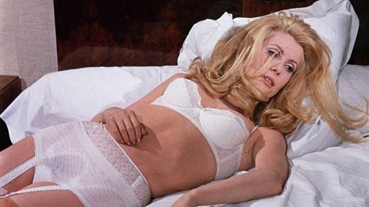 Michelle Pfeiffer In Panties Scenes